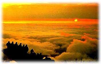登山观日出